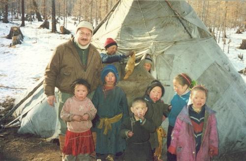 Omar w Reindeer Kids