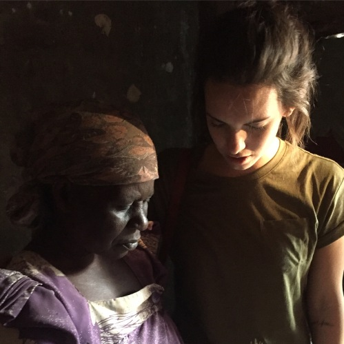 Naomi Praying w Poor